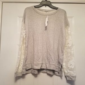 Willow & Clay new large sweatshirt w/ lace sleeves